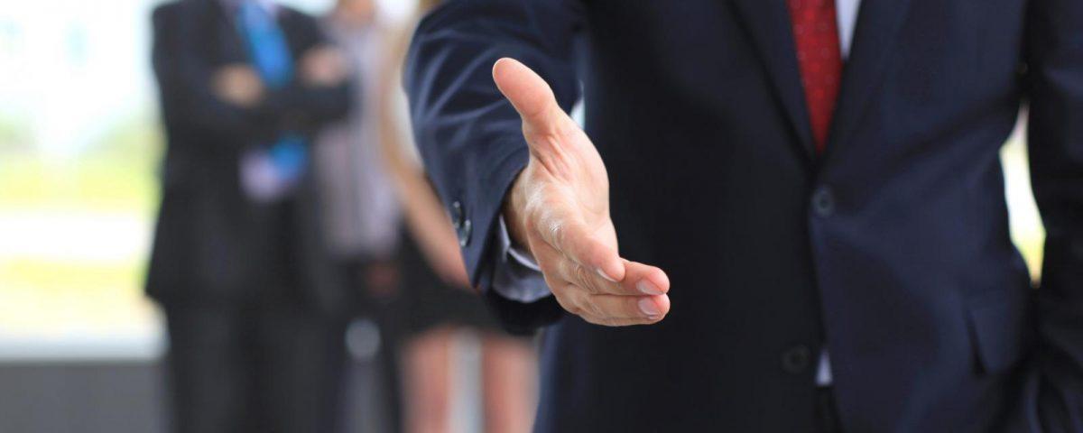 Como saludar en el trabajo